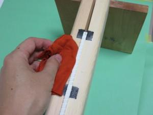 切り終えたら紙の粉を拭き取ります