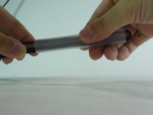 把手を末端から差し込んで、上に引き上げます
