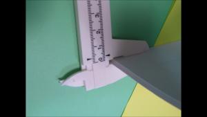 原稿の厚みを測ります